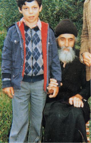 Starec Paisij uzdravil deti