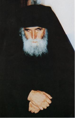 Starec Paisij uzdravil mnícha